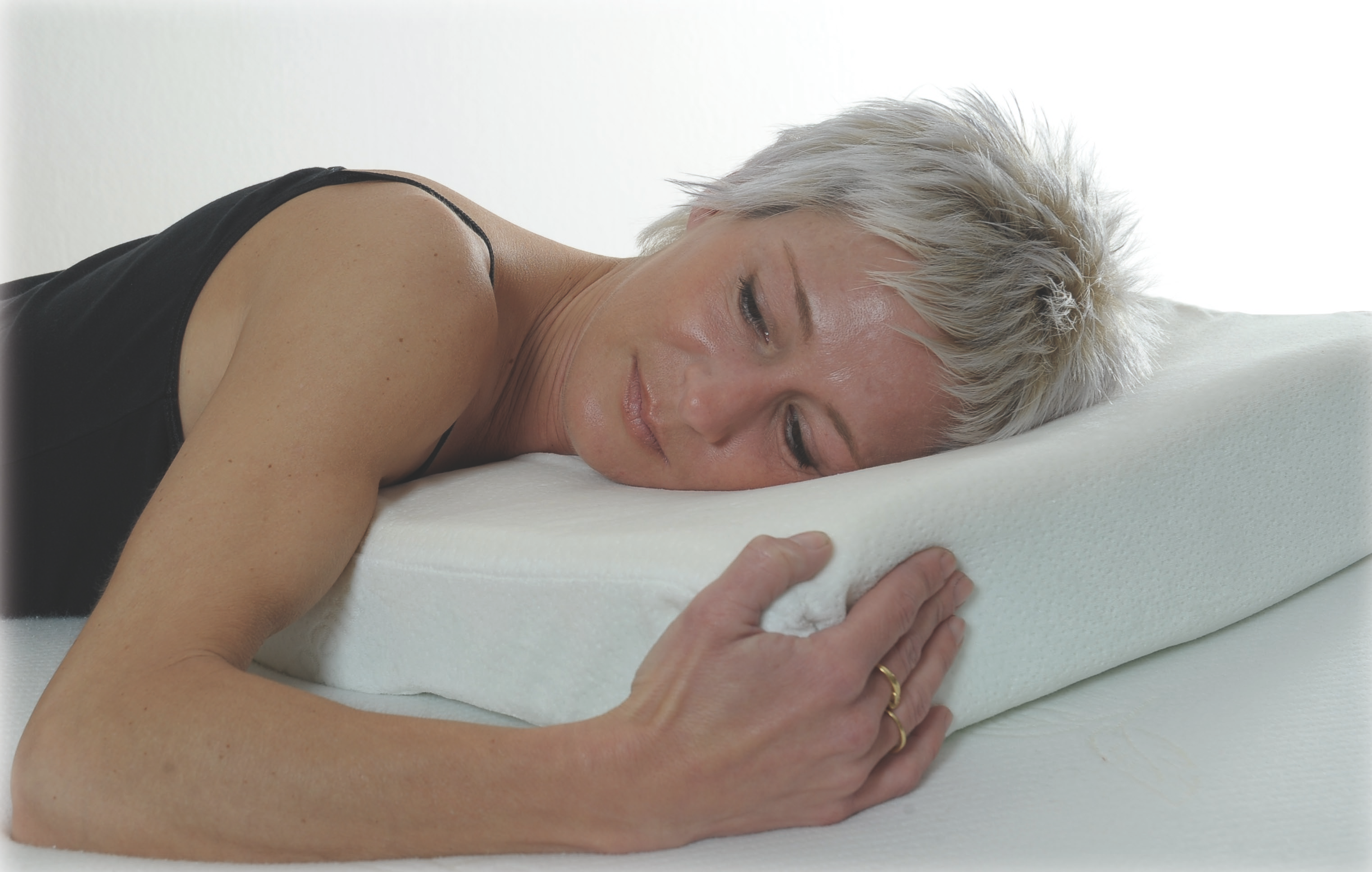 le marchand de sable offre un oreiller merci patron elle est l mama. Black Bedroom Furniture Sets. Home Design Ideas